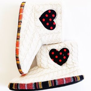 Christmas cozy plaid house slippers Size 2/3